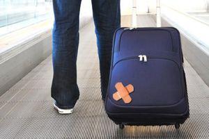 Quên hành lý ở sân bay, nhờ người thân nhận hộ được không?