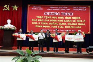 Trao tặng 500 căn nhà tình nghĩa cho người dân 5 tỉnh miền trung