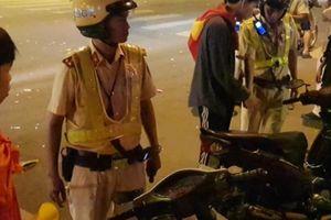 CSGT xử lý gần 150 người đi 'bão' sau chiến thắng của đội Việt Nam