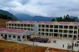 Thêm ngôi trường mới cho con em dân tộc vùng lòng hồ thủy điện Hòa Bình