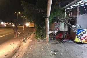 Ngồi nhậu trên vỉa hè, 2 người bị xe khách tông tử vong