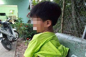 Cảnh cáo cô giáo đánh học sinh khuyết tật bầm tím