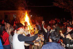 Xứ Nghệ nổi lửa, uống rượu cần mừng đội tuyển Việt Nam vô địch
