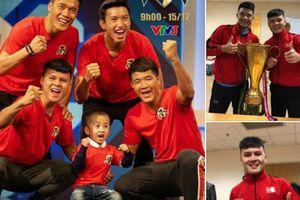 Náo nức ăn mừng chiến thắng vô địch AFF Cup, cầu thủ Việt Nam vẫn không quên lời hứa với bệnh nhi ung thư não
