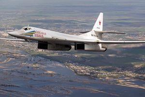 Oanh tạc cơ Tu-160 trở về Nga từ Venezuela