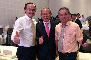 Gặp Bầu Đức ở Quảng Nam, HLV Park Hang Seo bất ngờ nhận thưởng 'khủng'