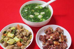 Mách bạn 3 món ngon đơn giản, ít tốn kém nhưng đầy đủ dinh dưỡng cho bữa cơm ngày cuối tuần