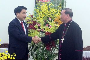 Chủ tịch UBND TP Hà Nội chúc mừng tân Tổng Giám mục Tổng Giáo phận Hà Nội