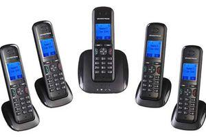 Phạt 2 doanh nghiệp bán điện thoại kéo dài 'mẹ bồng con' gây can nhiễu mạng 3G MobiFone