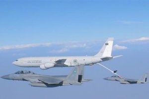 Mỹ đòi Saudi Arabia, UAE trả tiền tiếp nhiên liệu trên không
