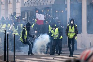 Pháp chưa tìm thấy bằng chứng Nga kích động nhóm biểu tình 'Áo vàng'