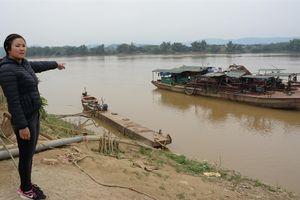 'Cát tặc' hoành hành dữ dội trên sông Hồng chảy qua địa phận Yên Bái
