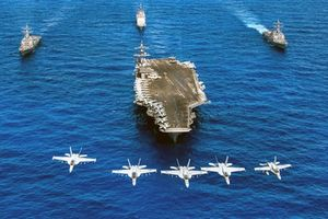 Mỹ nối dài tầm đánh trên biển để đối đầu Nga