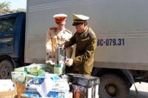 Thu giữ hơn 1.400 hộp thiết bị điện tử nhập lậu