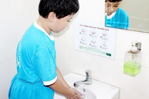 Nâng chất lượng nhà vệ sinh trường học