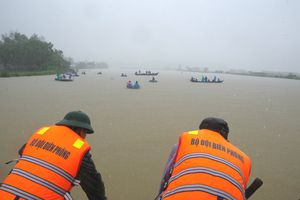 Tìm thấy thi thể nạn nhân mất tích trong vụ chìm xuồng đánh cá khu vực Cửa Đại