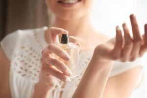 Bà bầu dùng nước hoa có ảnh hưởng đến thai nhi không?