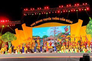 Huyện Cẩm Giàng đón nhận Huân chương Lao động hạng Nhất