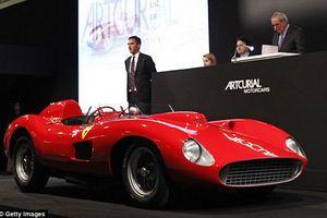 'Ngắm' Ferrari 800 tỉ đồng của Lionel Messi