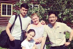 Tâm thư xúc động của mẹ thủ môn Đặng Văn Lâm gửi con trai
