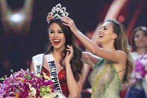 Sau 2 năm trượt Hoa hậu Thế giới, Catriona Gray 'phục thù' bằng vương miện Hoa hậu Hoàn vũ