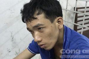 Tên cướp giật 'đầu hàng' vì mắc kẹt trong ống cống ở Sài Gòn