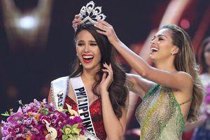 Giây phút đăng quang của Tân Hoa hậu Hoàn vũ 2018