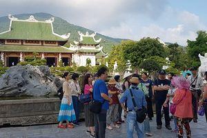 Đà Nẵng xử phạt 8 trường hợp người nước ngoài vi phạm hướng dẫn du lịch