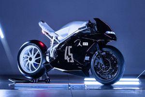 Ducati 916 độ theo phong cách giày bóng rổ Air Jordan