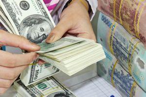 Tỷ giá trung tâm tăng mạnh, thị trường tự do cũng tăng mạnh giá trao đổi USD