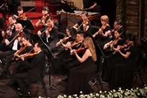 Tận hưởng 'Mùa Giáng sinh an lành' với Dàn nhạc giao hưởng Mặt Trời