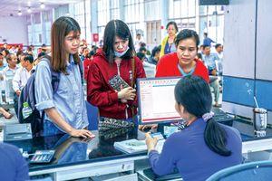Đa dạng hóa hình thức bán vé tàu phục vụ hành khách dịp Tết