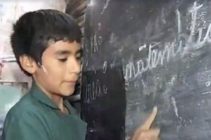 Cậu bé 12 tuổi tự mở trường học, người lớn cũng phải phục