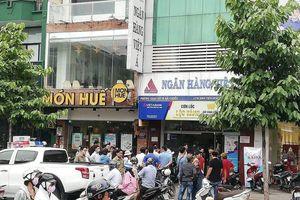 Vụ cướp ngân hàng Việt Á: Nghi phạm đốt xe máy trước khi bỏ trốn