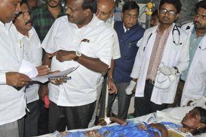 11 người chết, 93 nạn nhân cấp cứu vì nôn mửa, sùi bọt mép sau khi ăn cơm nhiễm độc