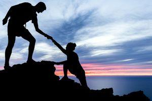 Giúp đỡ người khác sẽ mang lại sức khỏe, hạnh phúc cho bạn