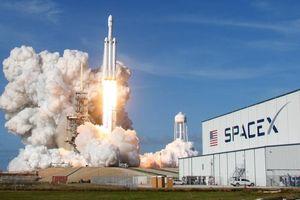 4 doanh nghiệp trên thế giới cùng phóng tên lửa trong một ngày