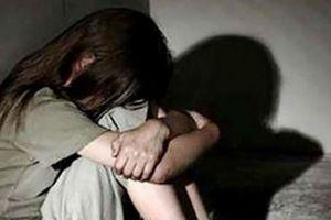 Bắt khẩn cấp 2 anh em ruột xâm hại bé gái 14 tuổi