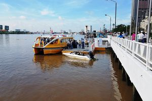 Tuyến buýt sông đầu tiên ở TPHCM bất ngờ dừng hoạt động