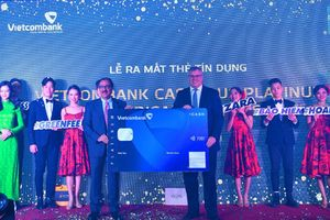 Ra mắt thẻ Vietcombank Cashplus Platinum American Express