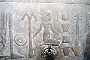 6 quái chiêu chữa bệnh kinh dị nhất lịch sử cổ đại