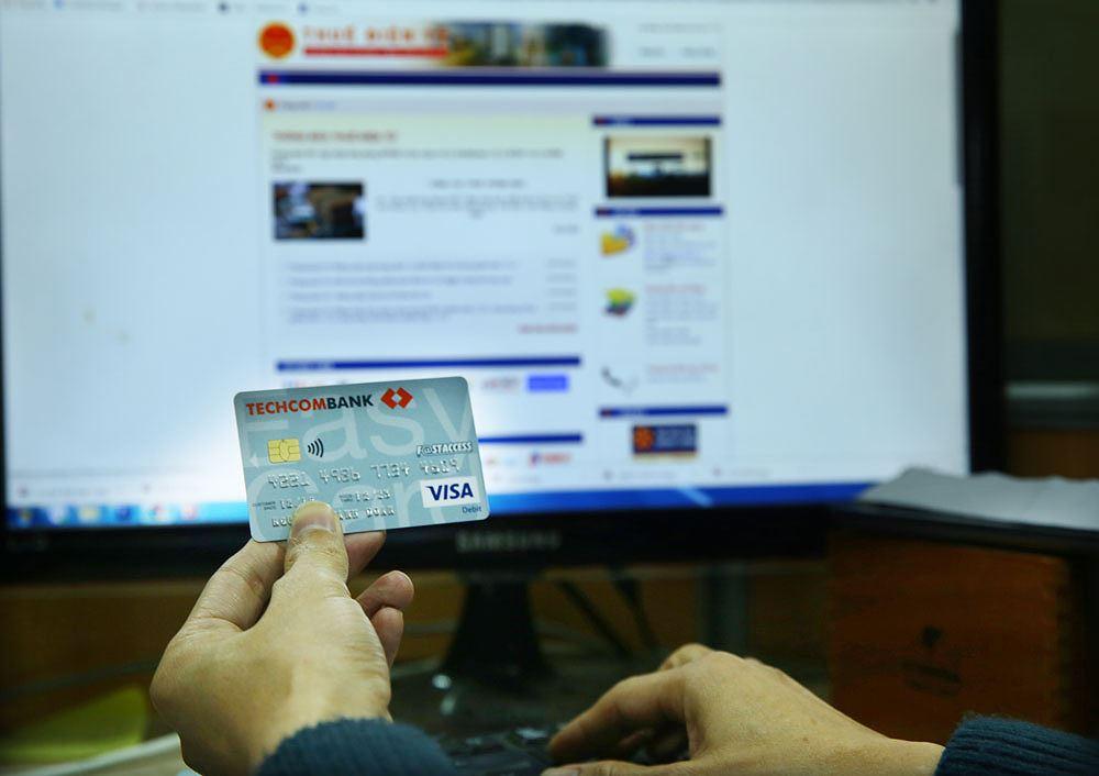 Cơ quan thuế tiếp cận tài khoản ngân hàng: Lo lộ bí mật của người nộp thuế