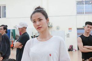 Đông Nhi hé lộ hình ảnh tập luyện vũ đạo căng thẳng trước giờ G liveshow Ten On Ten