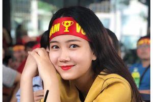 Hoa khôi sinh viên Việt Nam 2018 là cổ động viên cuồng nhiệt của bóng đá
