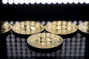 Bitcoin phục hồi mạnh 10%, vốn hóa toàn thị trường lấy lại 13 tỷ USD ngày đầu tuần