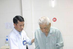 3 cụ già trên dưới trăm tuổi bị liệt do té ngã được thay khớp háng thành công