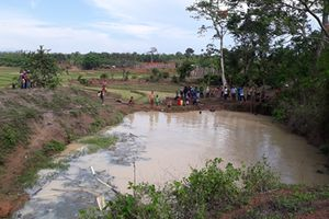 Bé trai 2 tuổi chết dưới hố nước trong giờ học tại trường mầm non