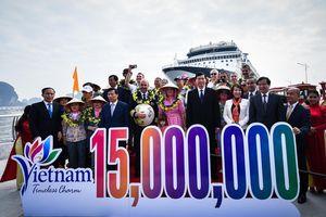 Lễ đón vị khách thứ 15 triệu của Việt Nam