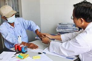 Bệnh viện Đống Đa hỗ trợ điều trị bệnh người bệnh HIV