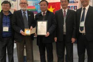 Supe Lâm Thao nhận giải sáng tạo khoa học công nghệ tại Hàn Quốc